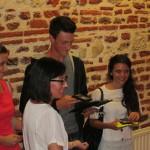 Isabelle Baratto remet aux jeunes bacheliers leurs récompenses